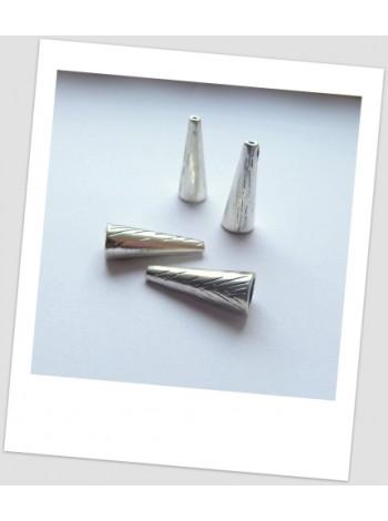 Концевик бижутерный металлический с узором серебряного цвета 28 мм. Цена за упаковку - 4 шт.