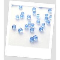 Бусина стеклянная полупрозрачная  голубая граненая, форма: куб, 5х5 мм , упаковка - 30 шт.(id:150028)