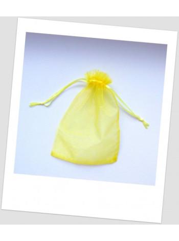 Мешочек из органзы 18 см х 13 см медового цвета.